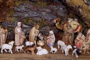 christmas-crib-figures-1080132_1920